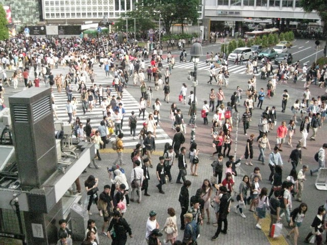 Busiest cross walk in the world - Shibuya, Japan
